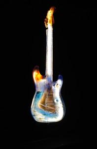 Glasgitarr från Bergdala Studioglas.