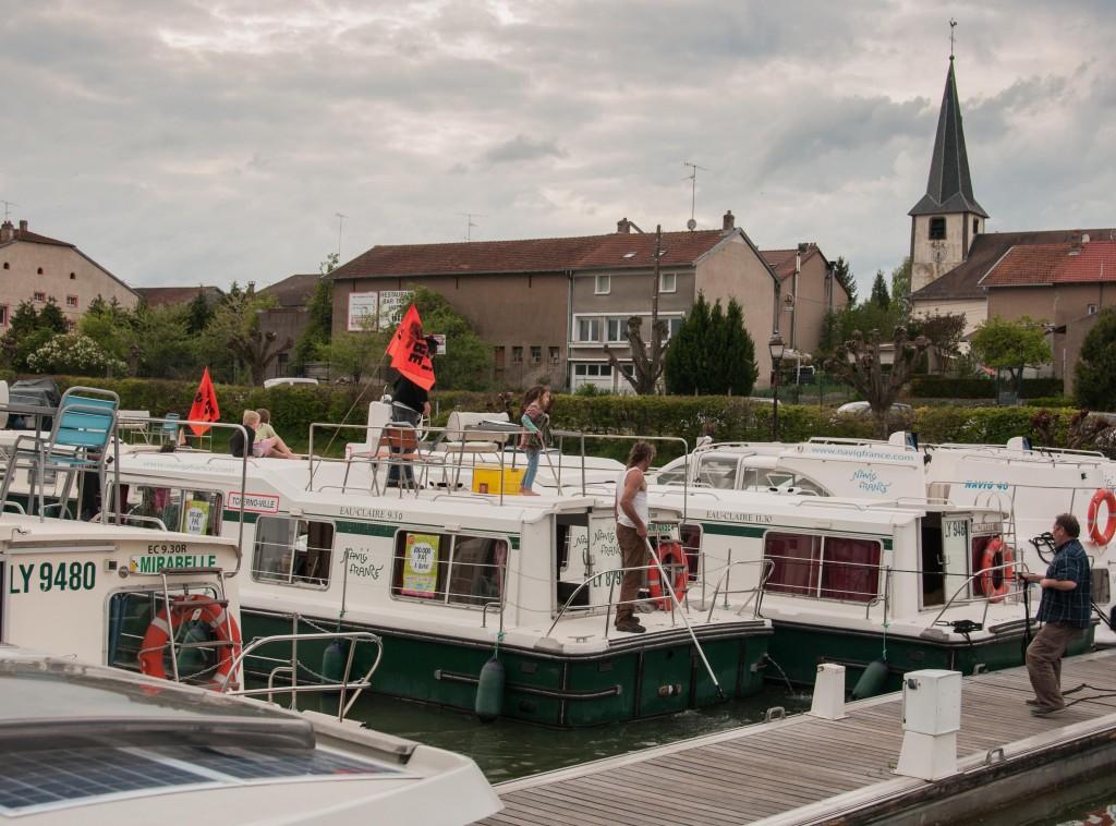 kanalbåt